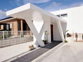 家族の居場所をつなぐ コの字型の家